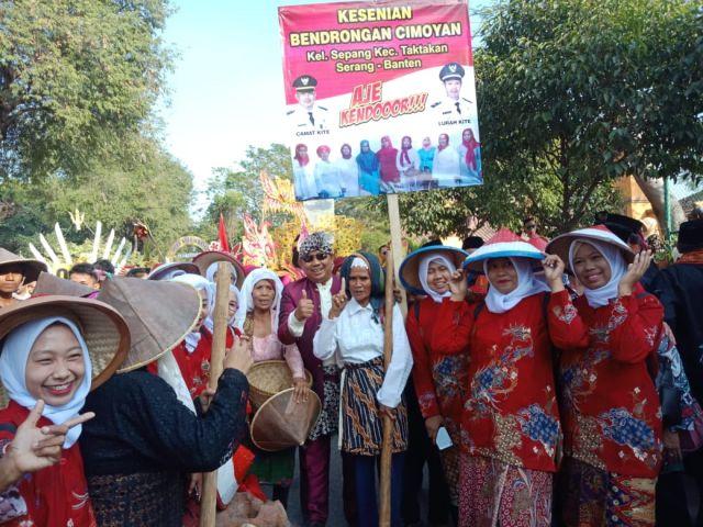 Kecamatan Taktakan Berpartisipasi dalam Mengikuti Pawai Budaya dalam Rangkaian Hut Kota Serang Ke 12 tahun 2019